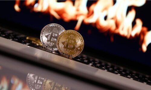 Tesla 1.5 Milyarlık Dolarlık Bitcoin Aldı!